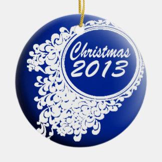 Ornamento del navidad del azul real adorno navideño redondo de cerámica