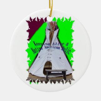 Ornamento del pis de la camiseta adorno navideño redondo de cerámica