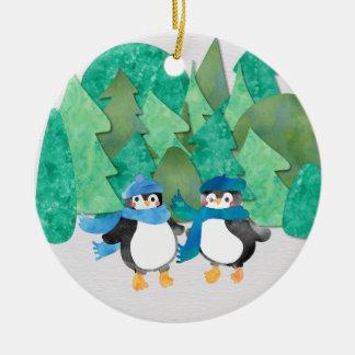 Ornamento lindo del árbol del pingüino del