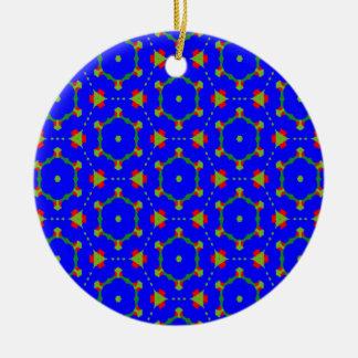 Ornamento redondo con el diseño azul profundo de adorno navideño redondo de cerámica