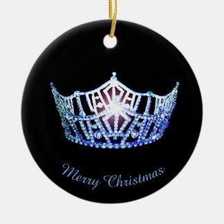 Ornamento redondo de la corona azul de Srta. Adorno Navideño Redondo De Cerámica