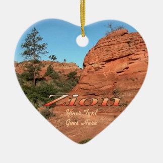 Ornamento: Roca roja en Zion (corazón) Adorno De Cerámica En Forma De Corazón