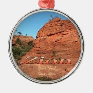 Ornamento: Roca roja en Zion (ronda superior) Adorno Redondo Plateado