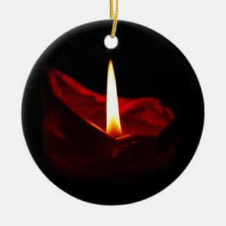 Ornamento rojo de la vela