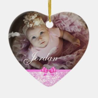 Ornamento rosado del navidad de la foto del bebé