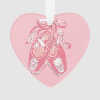 Ornamento rosado rosado del corazón de los zapatos