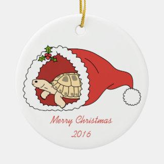 Ornamento ruso adaptable de la tortuga adorno navideño redondo de cerámica