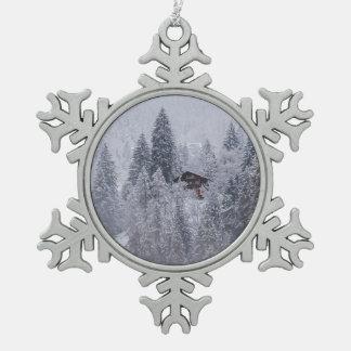 Ornamento suizo del copo de nieve del invierno adorno de peltre tipo copo de nieve