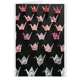 ornamentos de la grúa del origami felicitación