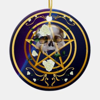 Ornamentos Pentagram-Cráneo-Blancos de los rosas Adorno Navideño Redondo De Cerámica