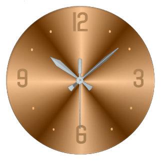 Oro con clase con los relojes grandes del