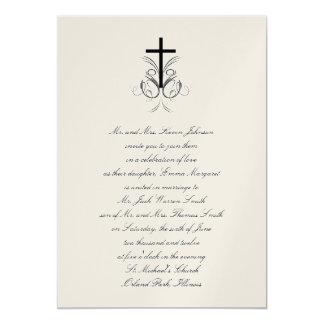 Oro cristiano cruzado floral de la invitación del