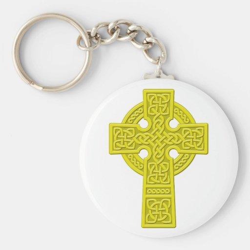 Oro de la cruz céltica llavero