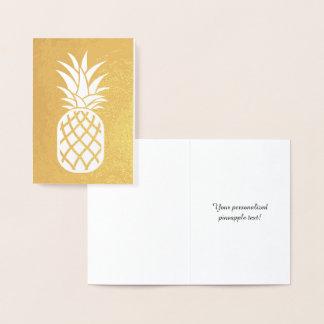 Oro de la piña tarjeta con relieve metalizado