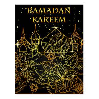Oro de la postal del Ramadán Kareem en negro