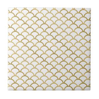 Oro y baldosa cerámica del modelo del mar blanco