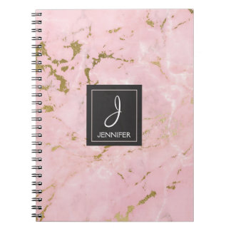 Oro y cuaderno de mármol rosado del monograma cuaderno