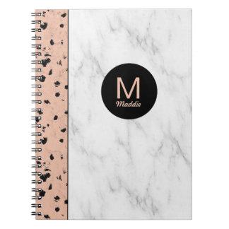 Oro y mármol color de rosa de moda con el cuaderno