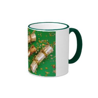 Oro y taza de café verde de la decoración del navi