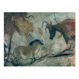 Oscile la pintura que muestra un caballo y una postal