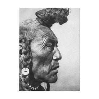 Oso Bull un arte Blackfoot de la lona del guerrero