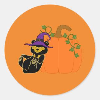 Oso de Halloween Sun con la calabaza Pegatina Redonda