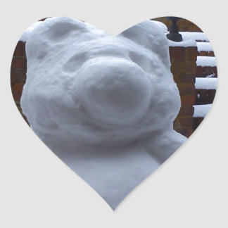 Oso de la nieve pegatina en forma de corazón