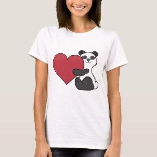 Oso de panda lindo del el día de San Valentín con Camiseta