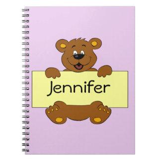 Oso feliz con los chicas adaptables del dibujo cuaderno
