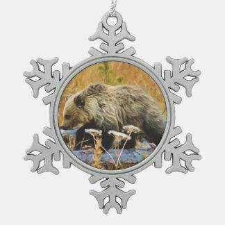 Oso grizzly Cub Adorno De Peltre Tipo Copo De Nieve