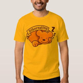 Oso Hibernating lindo con el zzz 's Camisas