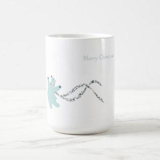 Oso polar de baile taza básica blanca