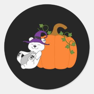 Oso polar de Halloween con la calabaza Pegatina Redonda