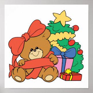 Oso y árbol de navidad lindos del bebé posters