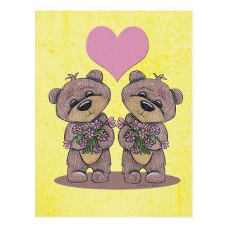 Osos del gemelo con la postal del corazón