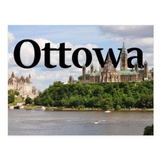 Ottowa, horizonte de Canadá con Ottowa en el cielo Postal