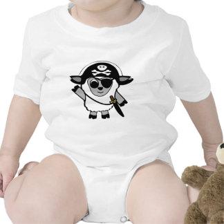 Ovejas del muchacho en traje del pirata trajes de bebé
