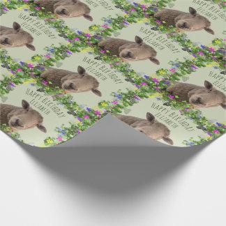 Ovejas lindas en el marco floral personalizado papel de regalo