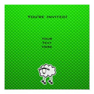 Ovejas verdes invitación 13,3 cm x 13,3cm