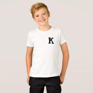 Owen Barksby embroma la camiseta de Kommon