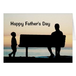 Padre e hijo en el día de padre único de la foto tarjeta de felicitación