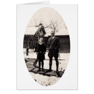 Padre e hijo, escena del invierno tarjeta