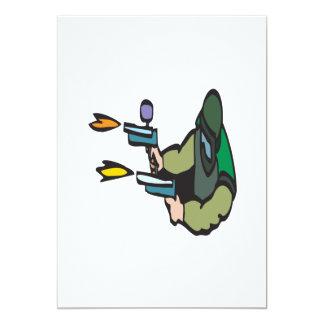 Paintballs del tiroteo invitación 12,7 x 17,8 cm