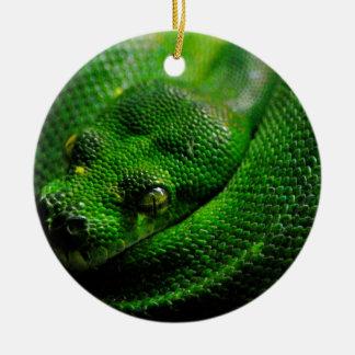 País de la serpiente adorno navideño redondo de cerámica