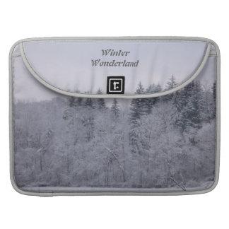 País de las maravillas del invierno funda para MacBook