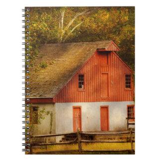 País - granero - hacia fuera al pasto cuaderno