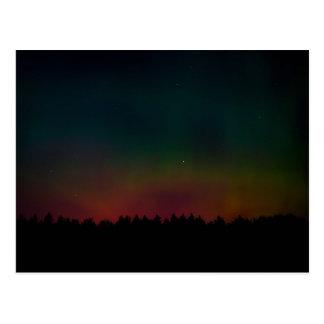 Paisaje de la aurora boreal postal