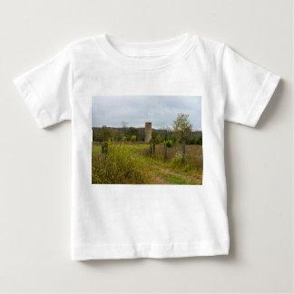 Paisaje de Silo del país viejo Camiseta De Bebé