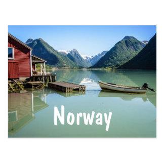 Paisaje del fiordo en postal del texto de Noruega