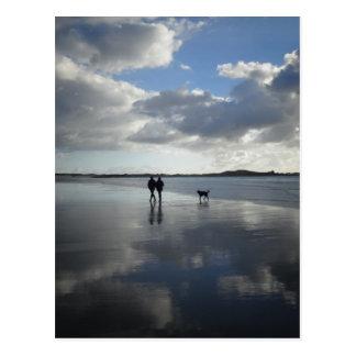 Paisaje hermoso de la playa tarjeta postal